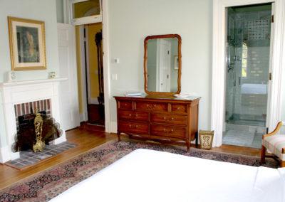 Truitt-House-bedroom-white